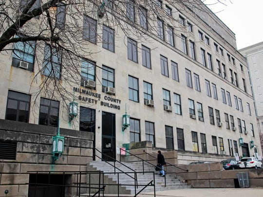Milwaukee County has proposed demolishing the 88-year-old Safety Building and replacing it with a $300 million criminal courthouse.