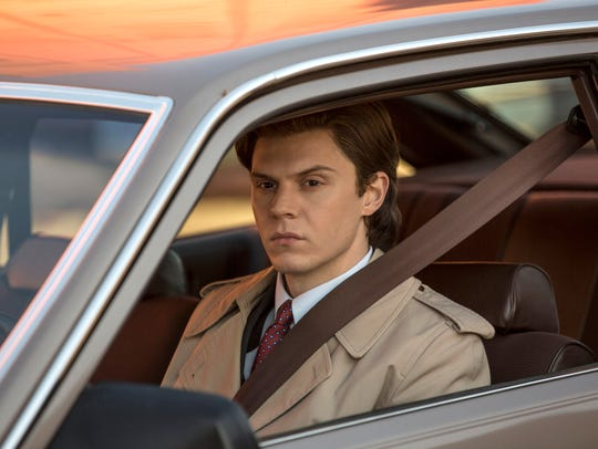 "Evan Peters as Stan on ""Pose."""