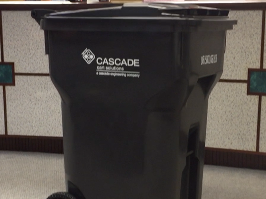 636204378519535881-Garbage-Can-.png