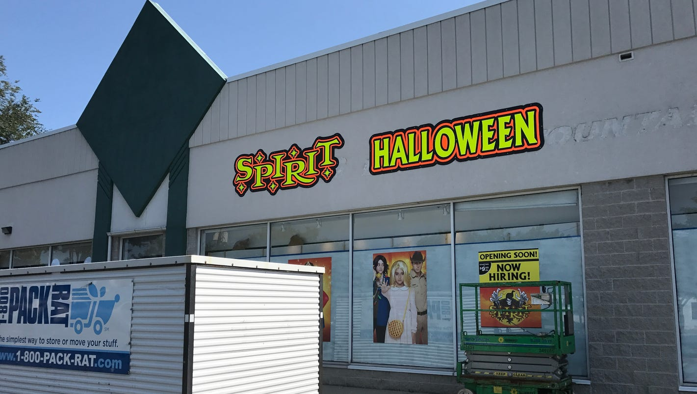 first halloween store spotted - Halloween Stores In Medina Ohio