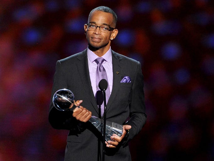 Stuart Scott accepts the Jimmy V Perseverance Award ESPN sports