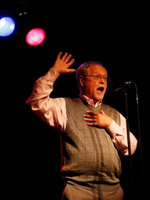 Steve Stone shares his story Thursday, April 28, 2016, during the Des Moines Storytellers Project at Wooly's.