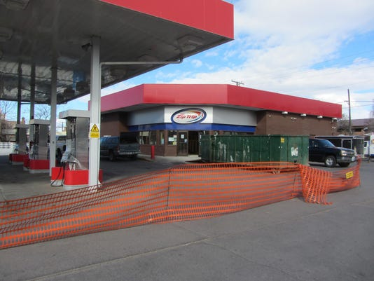 gas station closed picture