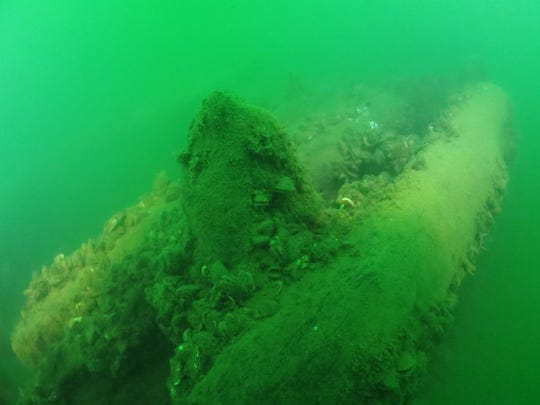 Shipwreck Lake Erie (2)
