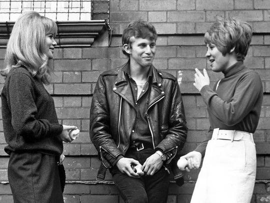 Judy Geeson, Christian Roberts and Lulu in 'To Sir, with Love'