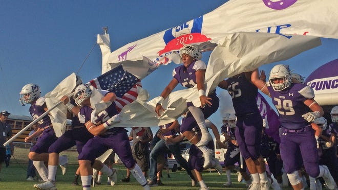 The team for Mason takes to the field prior to kickoff of the season opener against Wall on Thursday, August 29, 2019. (Photo: Colin Murphey/San Angelo Standard-Times)