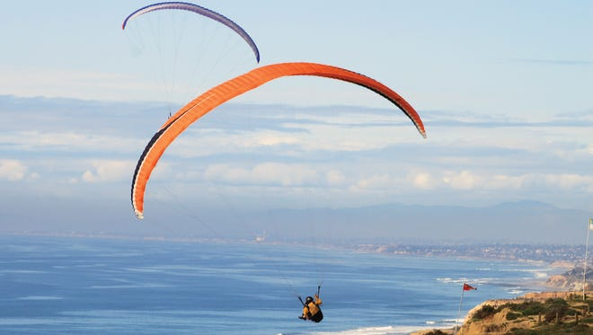 Hang Gliders over Torrey Pines