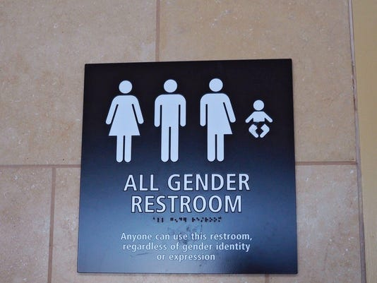 EPA FILE USA SOCIETY TRANSGENDER BATHROOM SOI PEOPLE GOVERNMENT SOCIETY MINORITY GROUPS USA CA