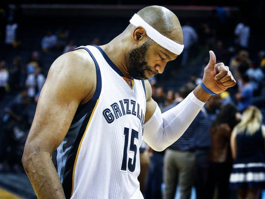 Memphis Grizzlies shooting guard Vince Carter walks
