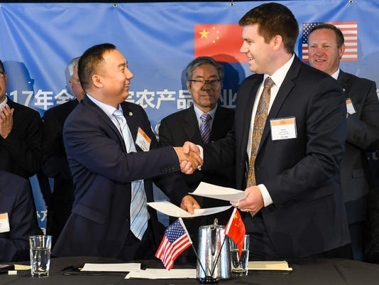 636356462974040260-2017-China---US-Agricultural-Product-Contract-Signing-Ceremony-9929.jpg