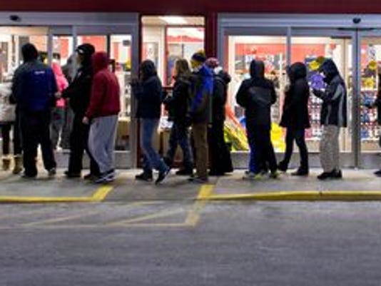 Black-Friday-outside-line-Getty-Images.jpg