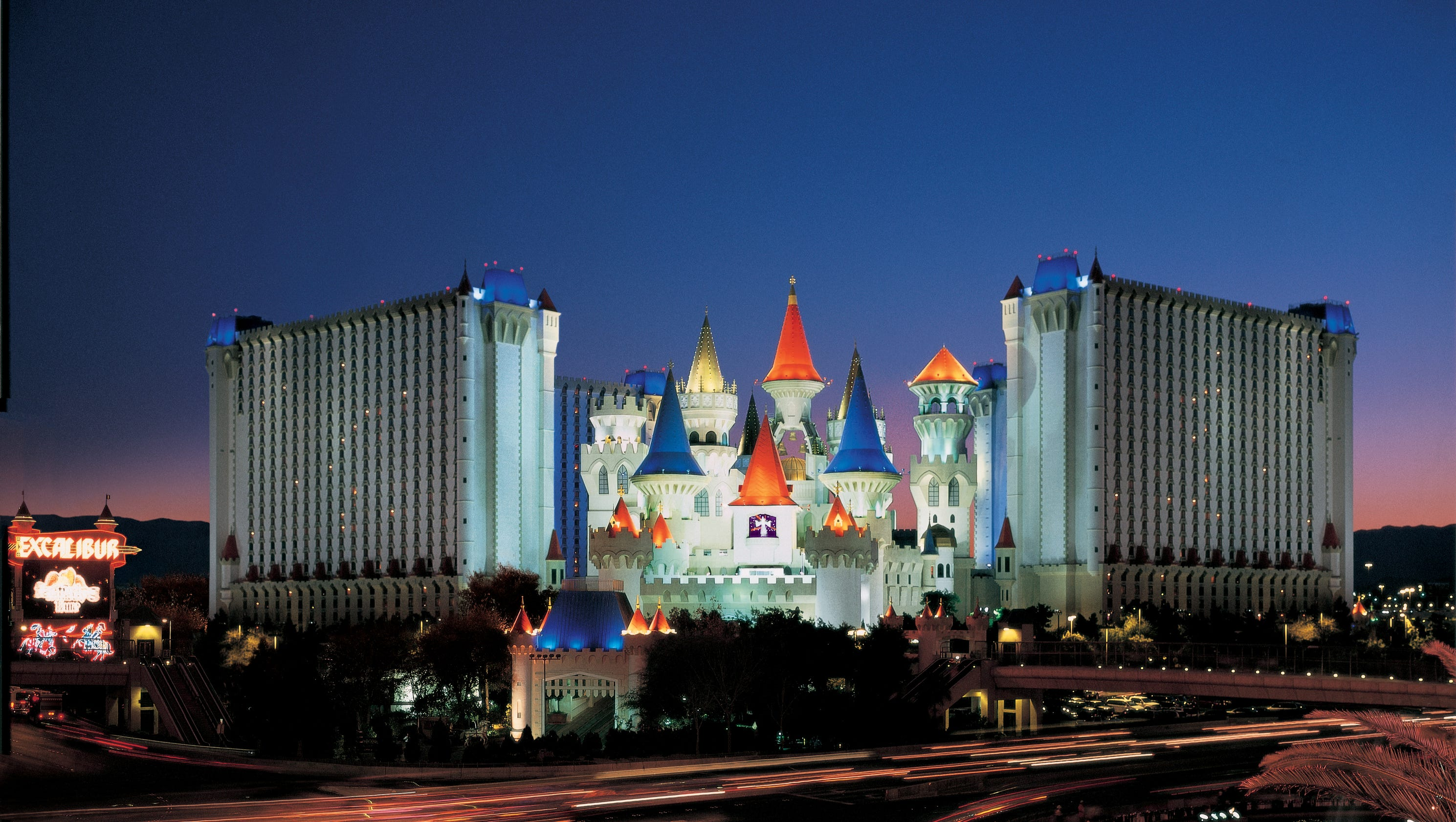 names of hotels in las vegas