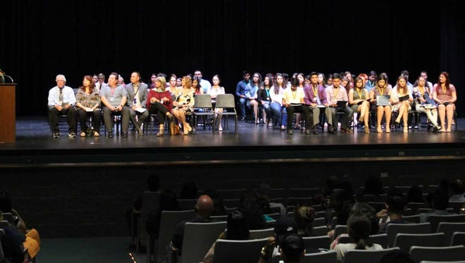 Graduating seniors from throughout the district, set to earn the state seal of bilingualism-biliteracy on their New Mexico diploma of excellence, receive medals and certificates of recognition at a special ceremony Thursday, April 26 at the Oñate High School Performing Arts Center