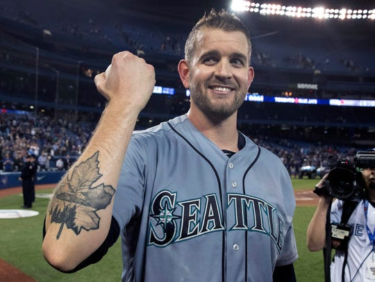 Mariners starter James Paxton shows off his Maple Leaf