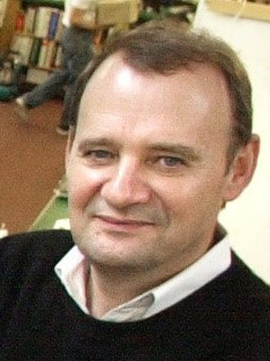 Loran Hall, 2004