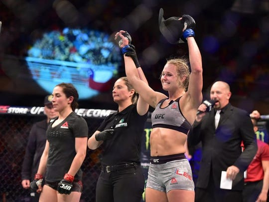 Shreveport's Andrea Lee scored a victory in her UFC debut Saturday in Chile.