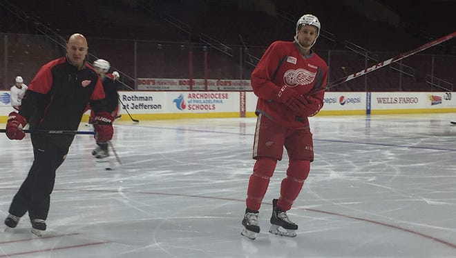 Anthony Mantha, right, skates with the Detroit Red Wings on Tuesday, March 15, 2016.