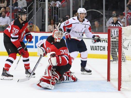 New Jersey Devils goalie Cory Schneider (35) looks