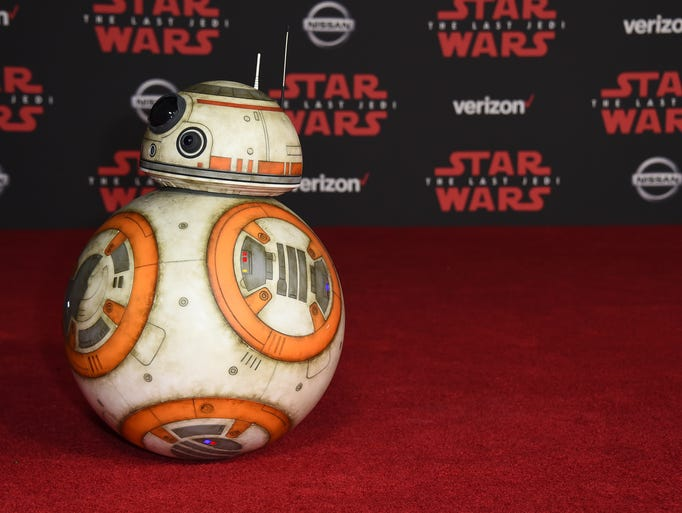 """BB-8 arrives at the Los Angeles premiere of """"Star Wars:"""