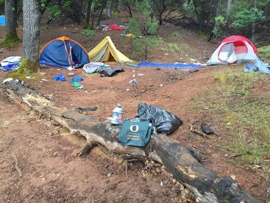 University of Oregon paraphernalia, tents and other