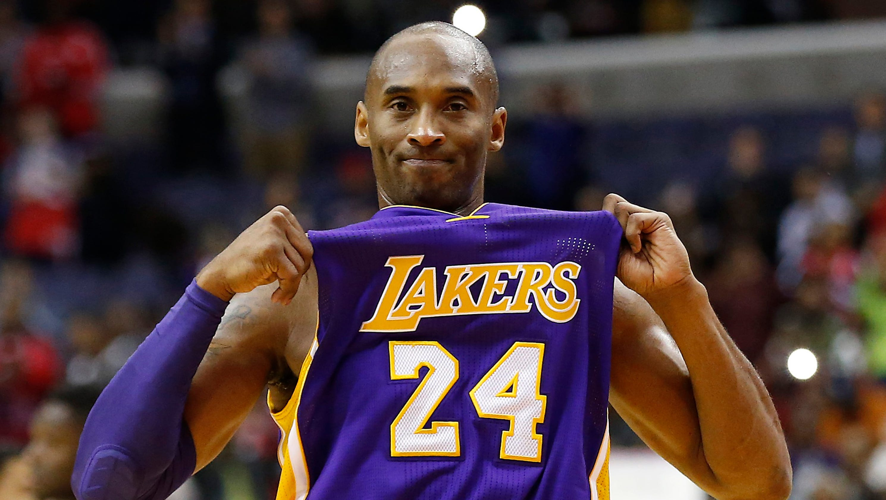 Kobe looks like Kobe of old to lead Lakers by Wizards