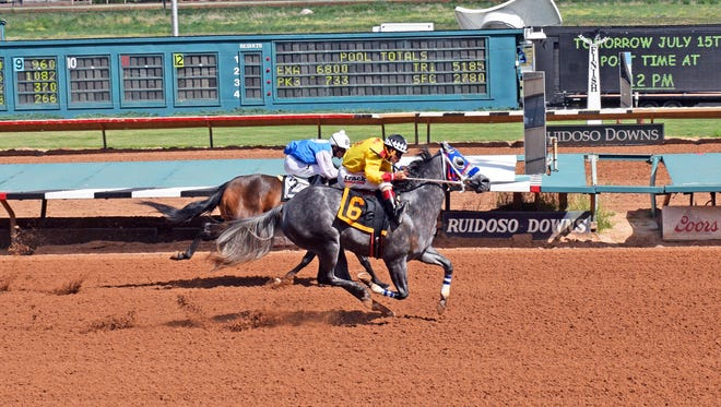 Runningallnight wins John Deere Ruidoso Downs Juvenile trial with the fastest qualifying time.