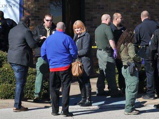 Wichita Falls police investigate a possible bank robbery