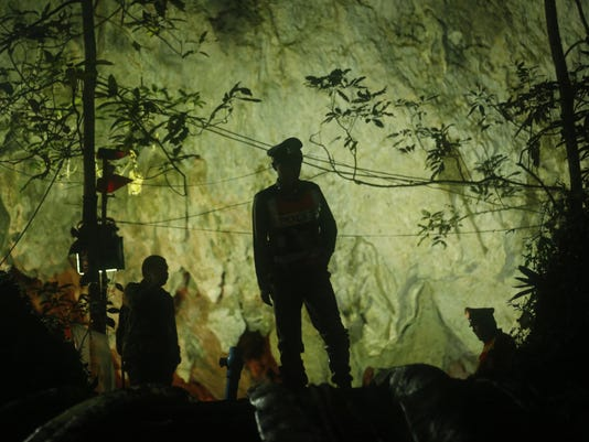 Thailand Cave Search (3)