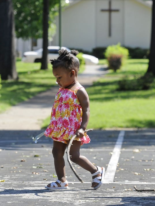 NASBrd_08-22-2012_Tennessean_1_A001~~2012~08~21~IMG_0822-neighborhood-02_1_1.jpg