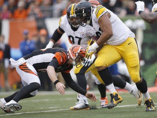 Cincinnati Bengals quarterback Andy Dalton broke his