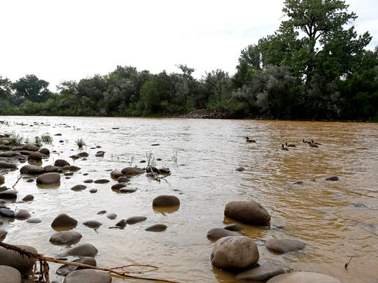 Pollution from the Gold King Mine spill flows in the