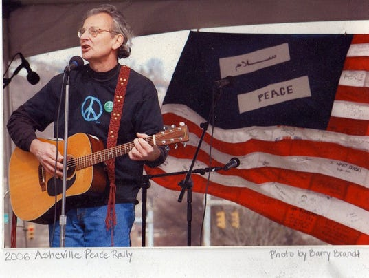 636500598098475788-Bothwell-at-2006-Peace-Rally.jpg
