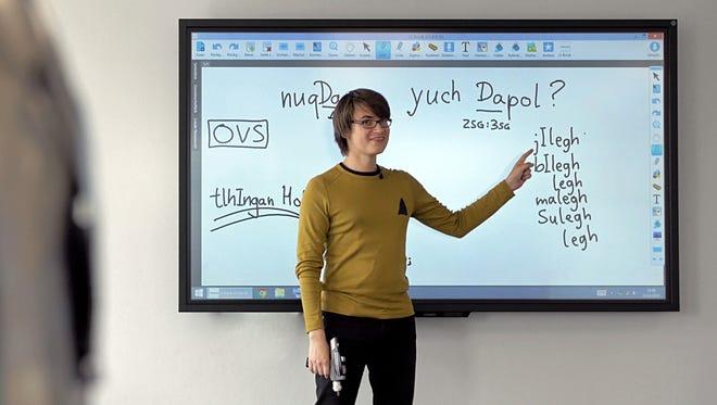 AndréŽ Muller teaches Klingon in Switzerland