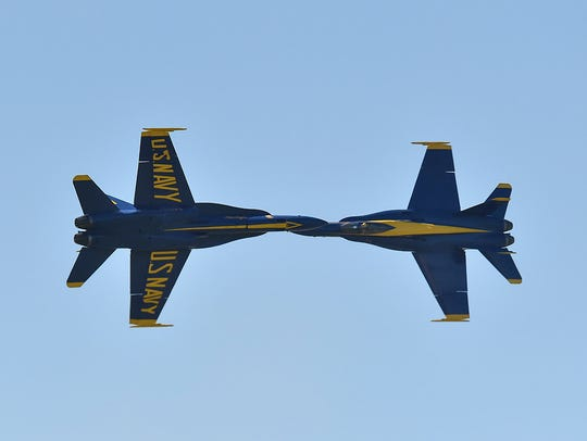 Blue Angels solo pilots in 2017