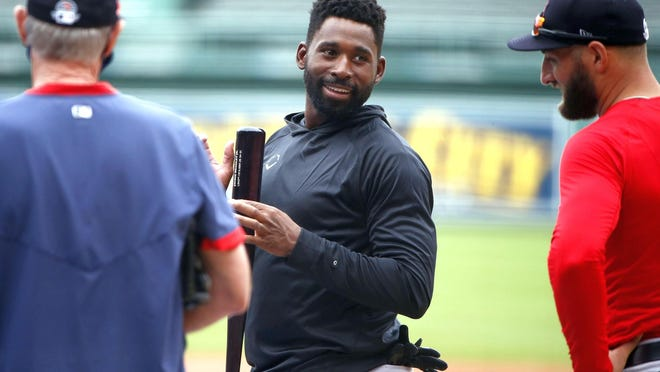 Red Sox manager Ron Roenicke, left, and outfielders Jackie Bradley Jr., center, and Kevin Pillar could be in for some uncomfortable playing time conversations in 2020.