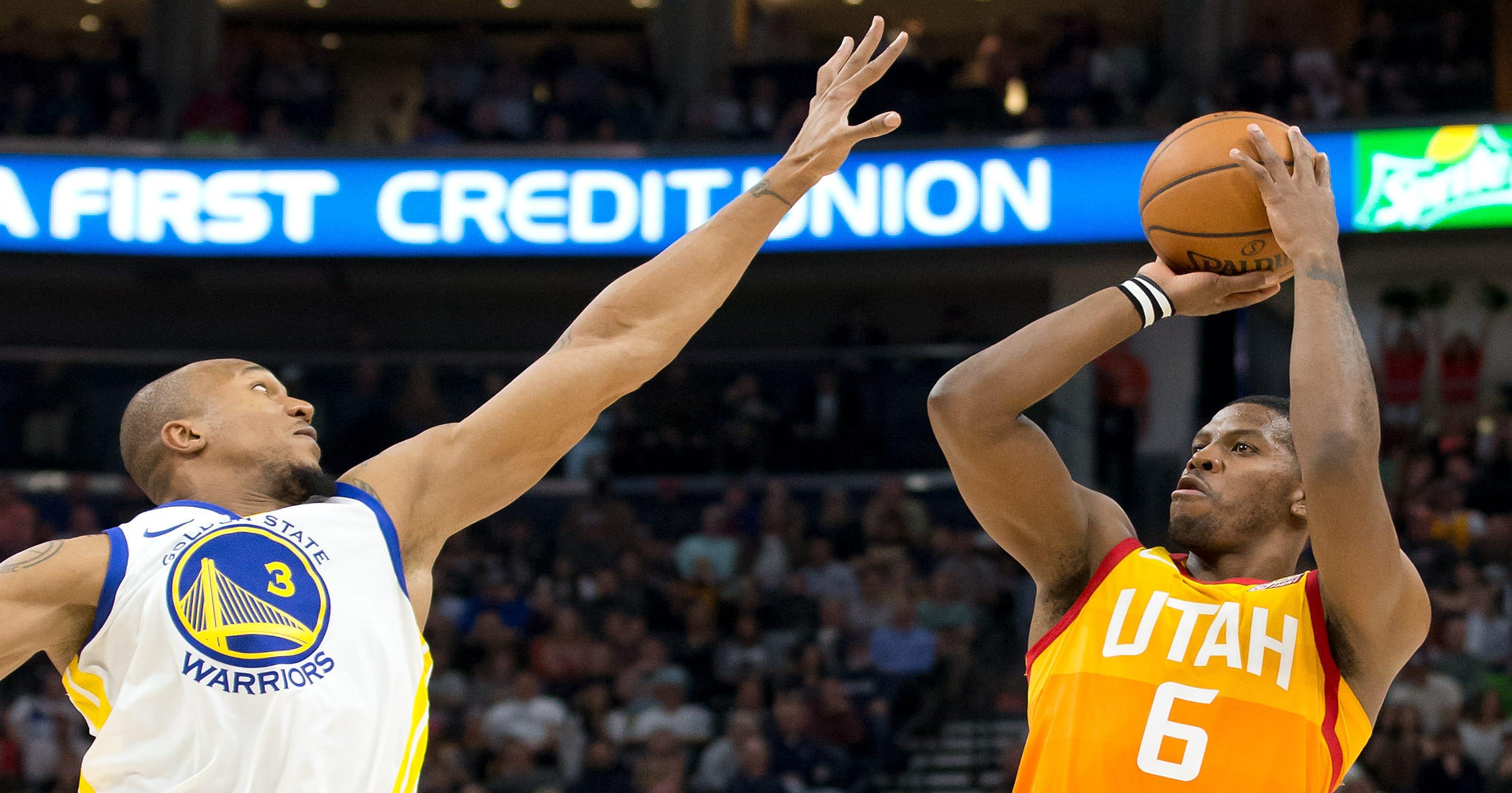 62ed578e1e51 Utah Jazz stun Golden State Warriors