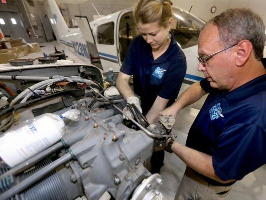 04-airplane mechanic