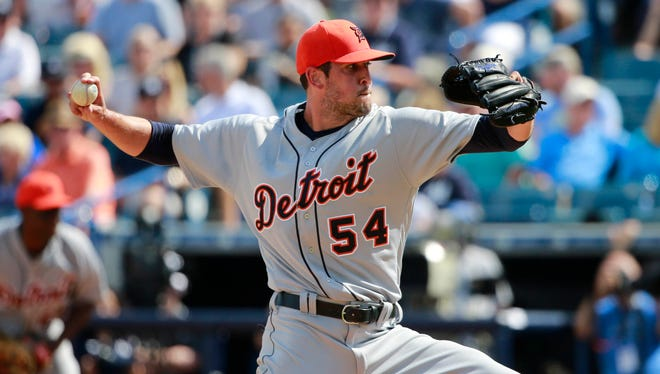 Detroit Tigers relief pitcher Drew VerHagen throws a pitch during the fourth inning against the New York Yankees on March 2, 2016.