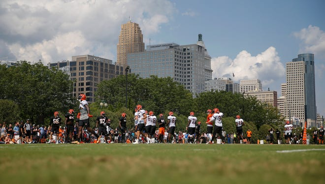 The first team defense and offense line up for a drill during Cincinnati Bengals training camp practice, Thursday, Aug. 3, 2017, on the practice fields next to Paul Brown Stadium in Cincinnati.