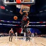 Pels' Anthony Davis scores 52, West tops East 192-182