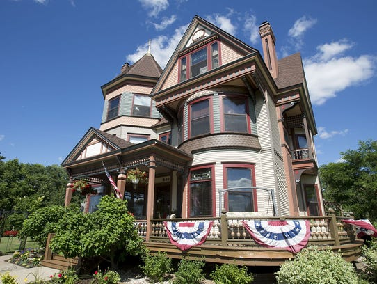 Le Chateau Bed and Breakfast located at 840 1st Street