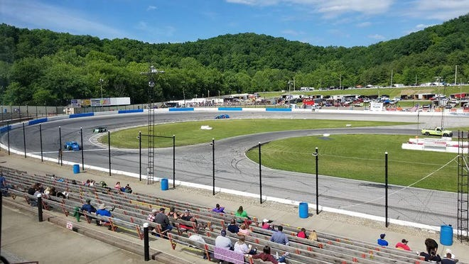 Qualifying under sunny blue skies and 70 degree temperatures at Midvale Speedway on Saturday. Photo courtesy of Midvale Speedway