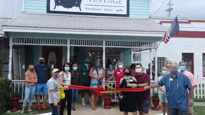 The Smithville Area Chamber of Commerce held a ribbon cutting ceremony for Murphy's Vintage last week.