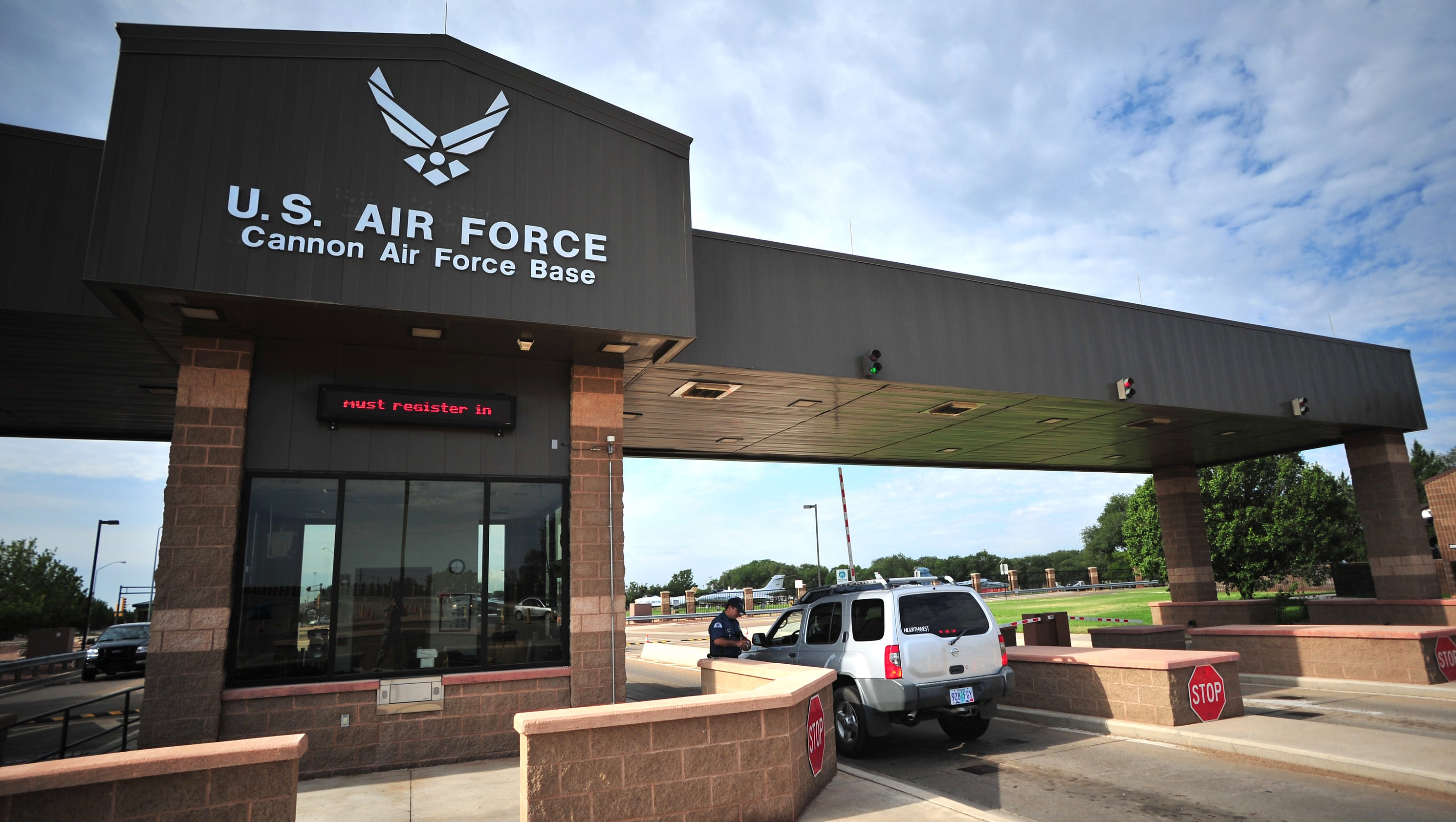 vance afb chatrooms A t-38 assigned to vance air force base in oklahoma, crashed on friday the  pilot ejected and was not seriously injured, according to base officials (danny.