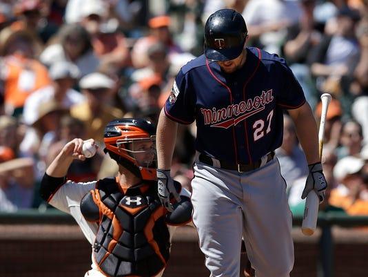 Twins Giants Baseball