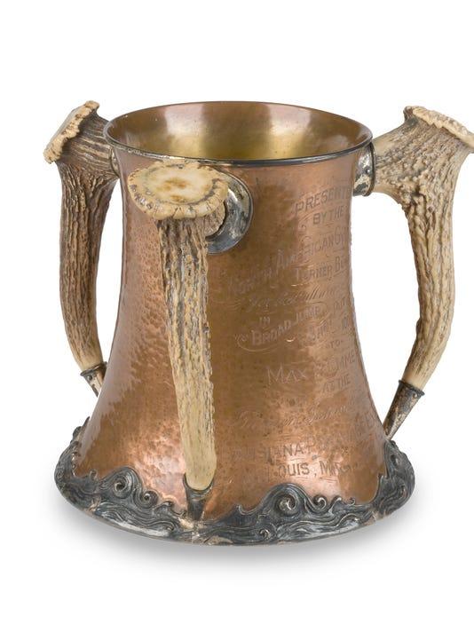 635954635915358764-A045-St-Louis-Emmerich-trophy.jpg