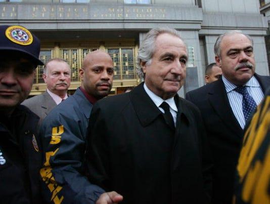 N.Y. accounting exec arrested in Madoff fraud