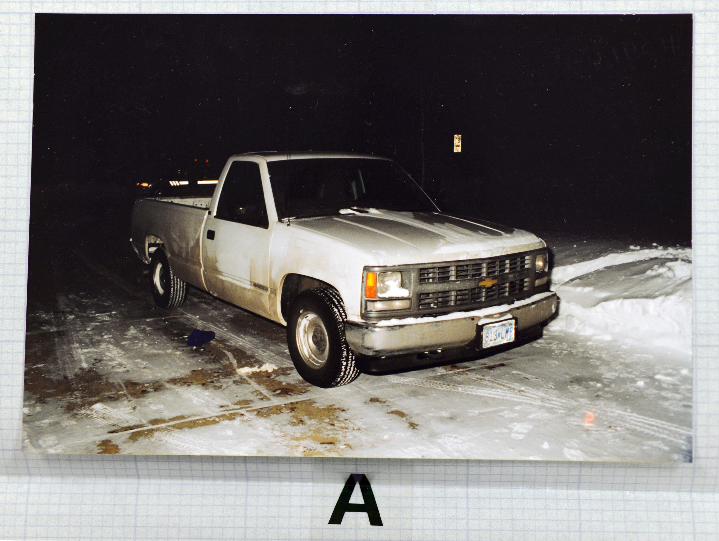 A white pickup was spotted at a Little Dukes convenience