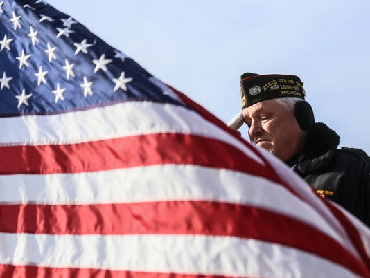636460110950789241-veteransday-111117-kpm-37.JPG