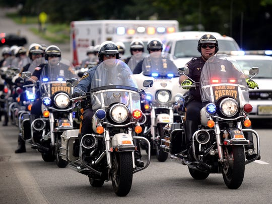Police officers from across North Jersey honor Pompton